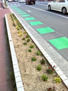 『自転車通行指導帯』